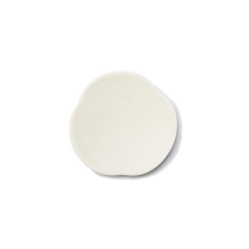 Teshioの白い豆皿表面