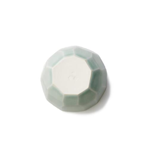 Teshioの水色の豆皿裏面