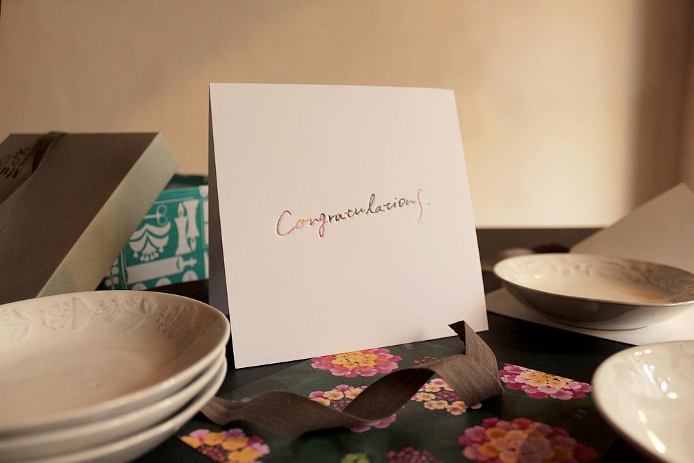 congratulationsのメッセージカードを贈る