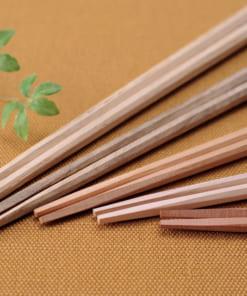 天然木でできたtetocaの箸